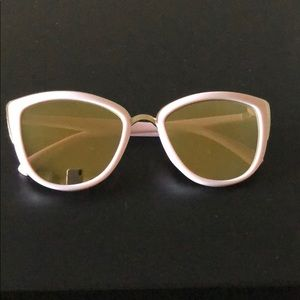 Sunglasses from quay/ too faced